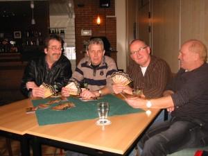 De entreekaarten van 2009, gepresenteerd door Henk Stoeten, Egbert Edelijn, Johan Pasveer en Dieter Weigert.