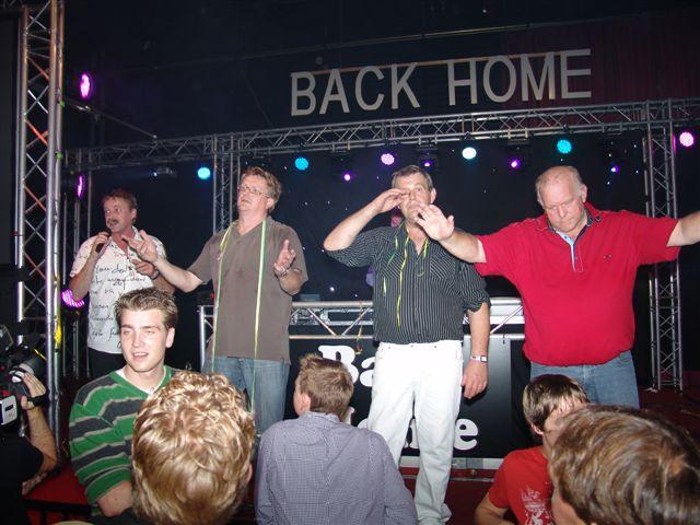 Back-Home_041