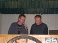 De apparatuur wordt bekeken door Martin en Herman